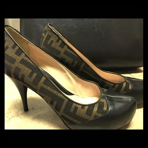 FENDI zucca leather pumps sz 37 / 7